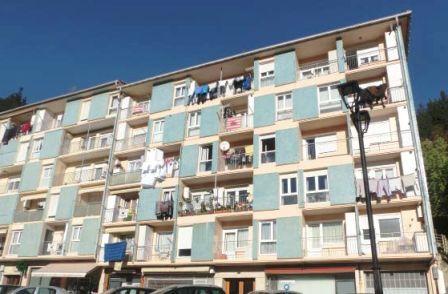 Locales en Ondarroa (00409-0001) - foto0
