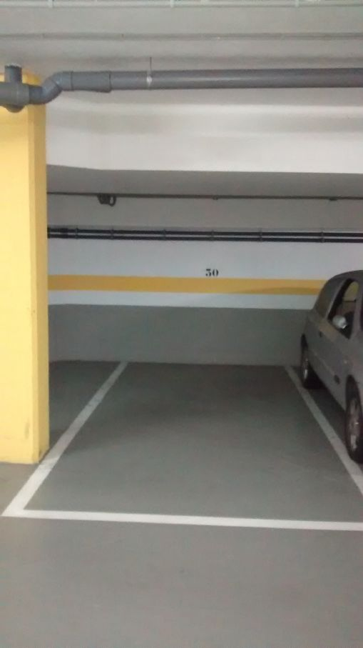 Garaje en Estepona (22199-0001) - foto1
