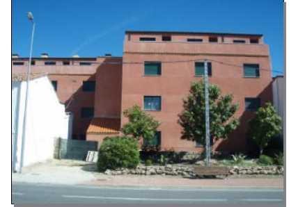 Edificio en Cebreros (22416-0001) - foto1