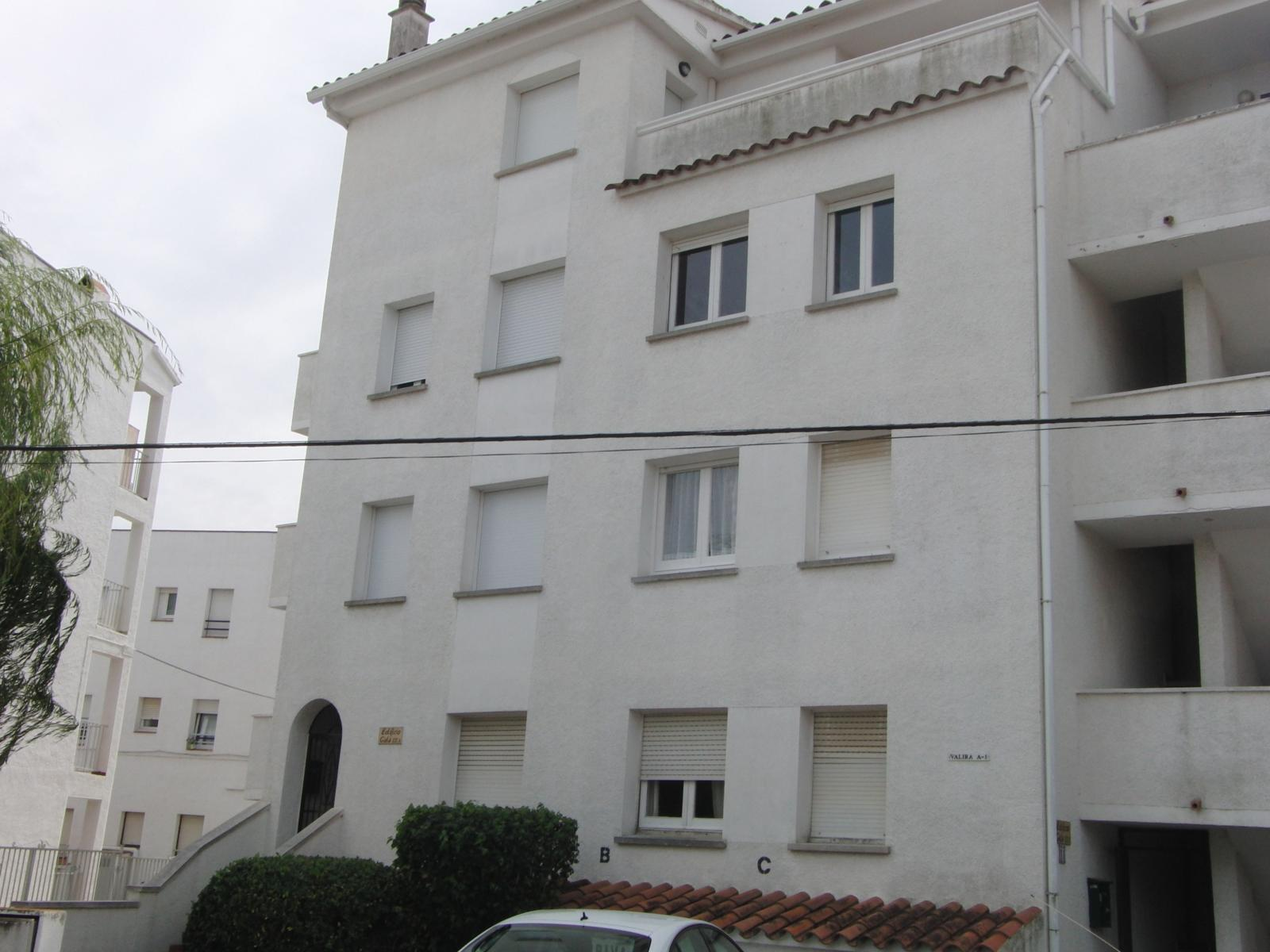 Apartamento en Castell� d'Emp�ries (30381-0001) - foto0