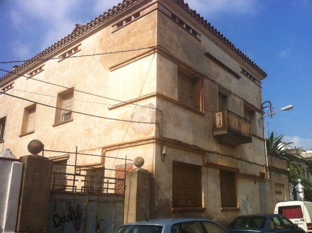 Solares en Figueres (31882-0001) - foto0