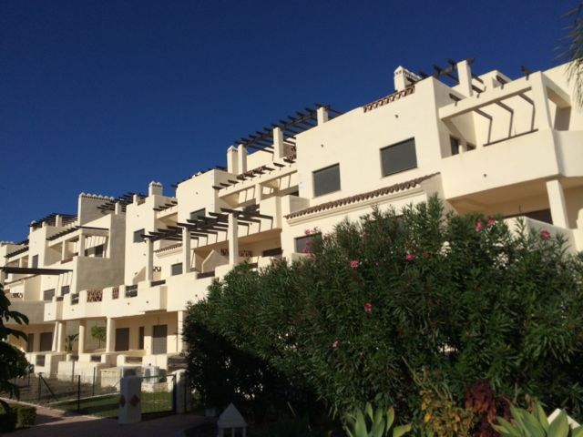 Apartamento en Estepona (34007-0001) - foto0