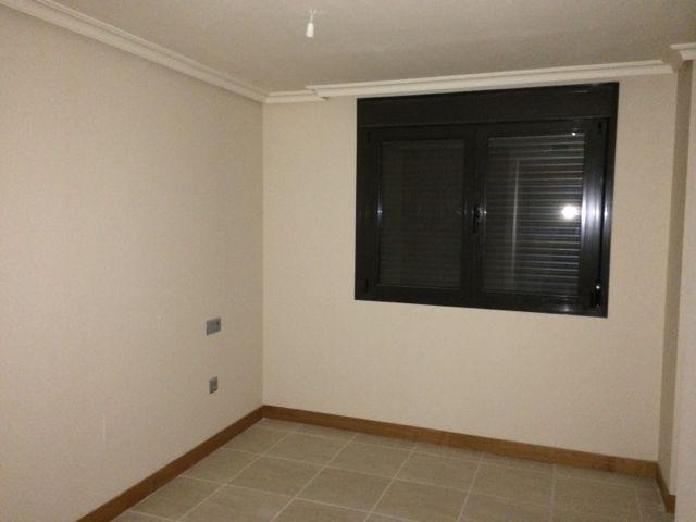 Apartamento en Estepona (34007-0001) - foto2
