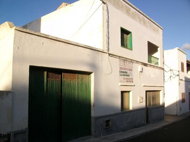 Edificio en San Bartolomé (34734-0001) - foto0