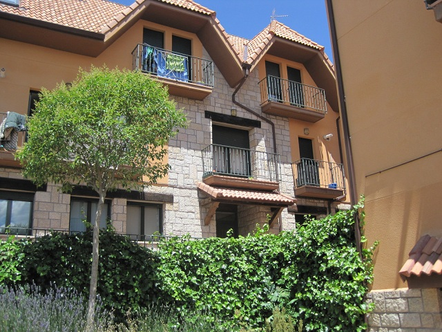 Apartamento en Becerril de la Sierra (36742-0001) - foto0