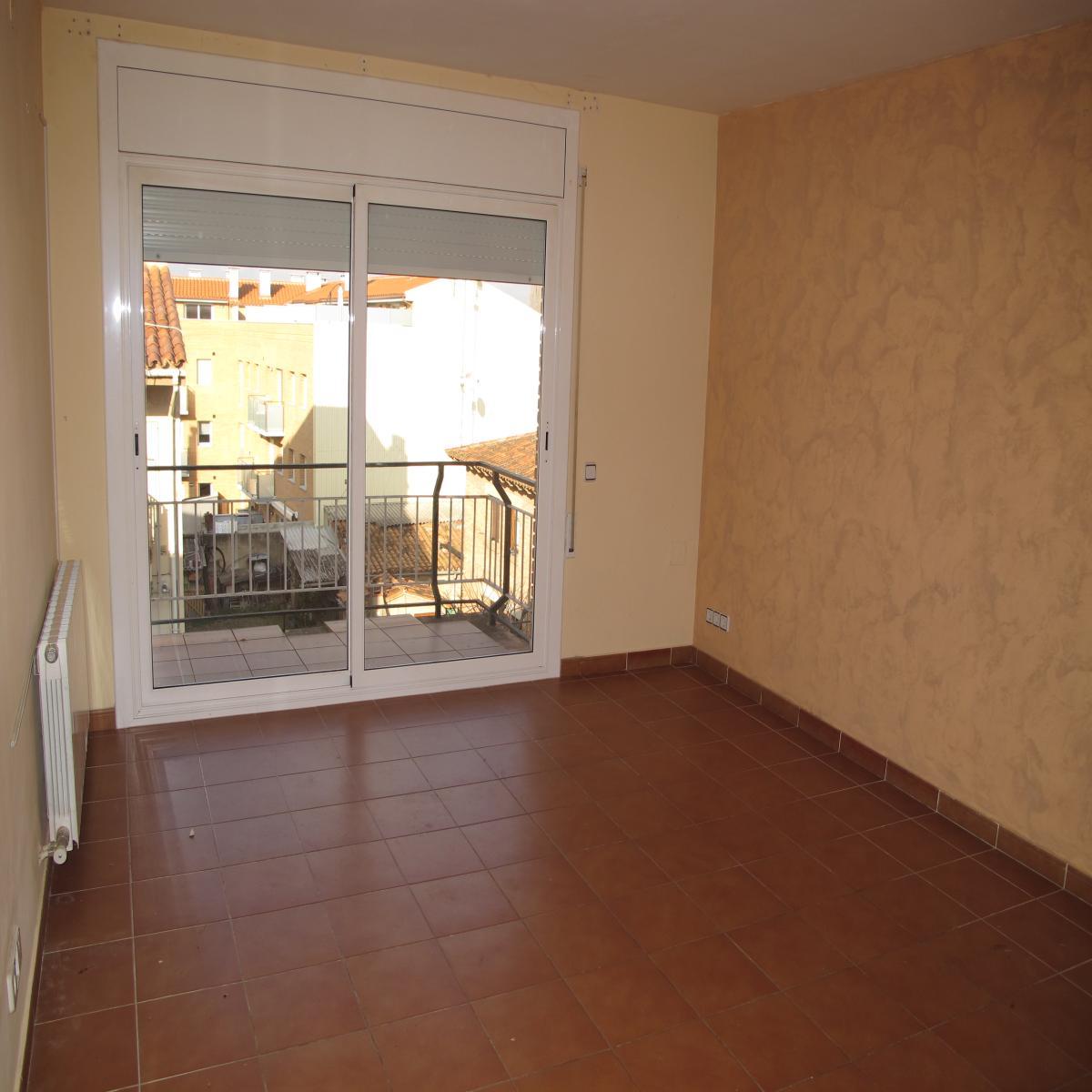 Apartamento en Tona (43628-0001) - foto2