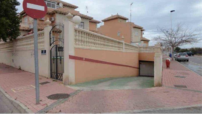 Garaje en Torrevieja (Residencial Cleopatra) - foto0