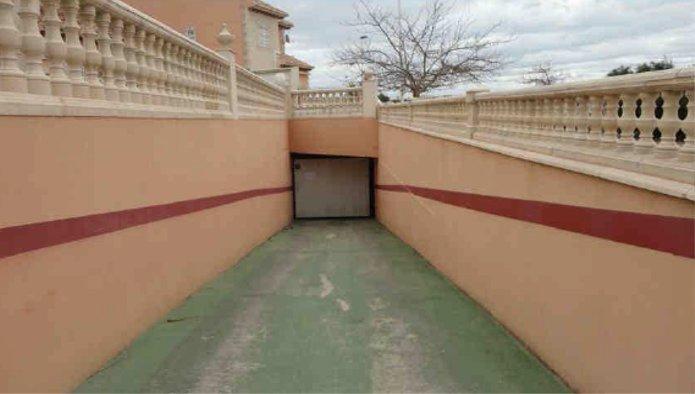 Garaje en Torrevieja (Residencial Cleopatra) - foto1