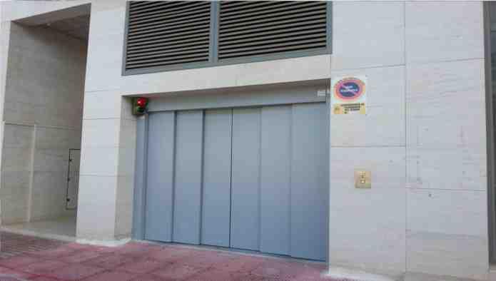 Garaje en Guardamar del Segura (Edificio Mecomar I) - foto2