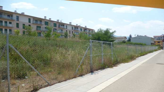 Solares en Olot (Les Fonts de Olot) - foto2