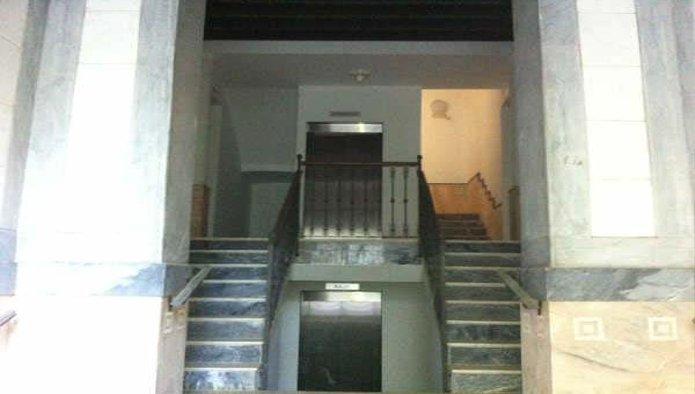 Edificio en Badajoz (09519-0001) - foto1