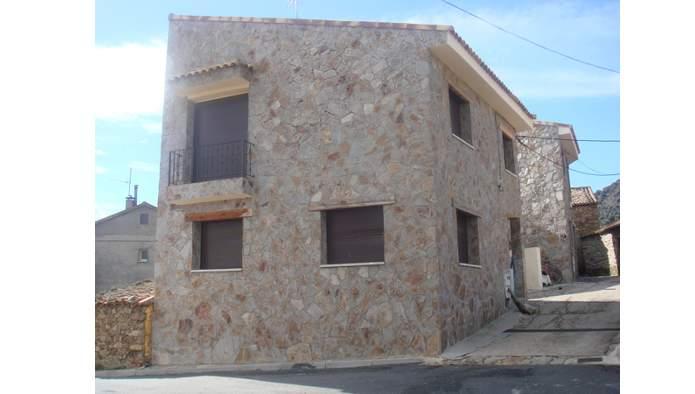Casa en Gargantilla del Lozoya y Pinilla de Buitrago (20832-0001) - foto0