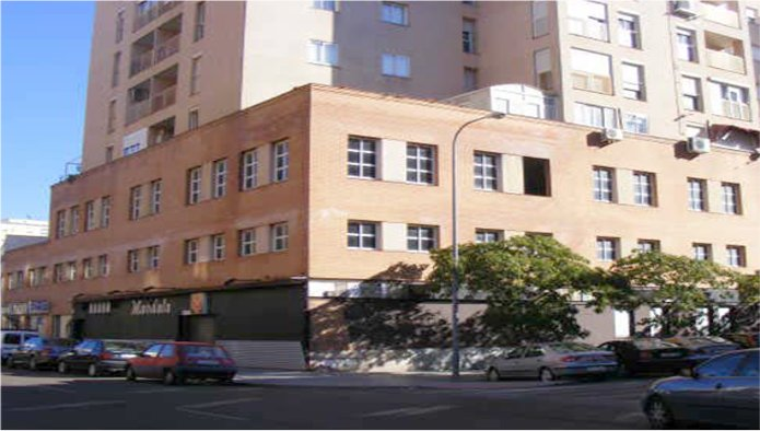 Oficina en Badajoz (Ed Reina Mercedes) - foto0