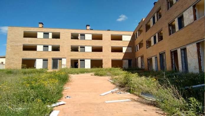 Edificio en Íscar (M66596) - foto0
