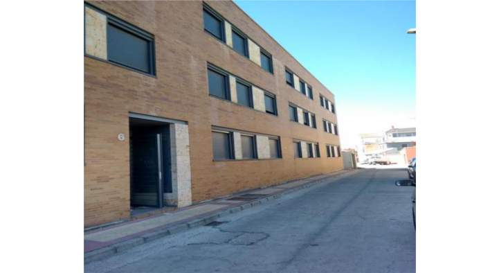 Edificio en Íscar (M66596) - foto3