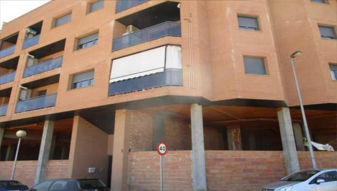 Locales en Torrefarrera (M66940) - foto0