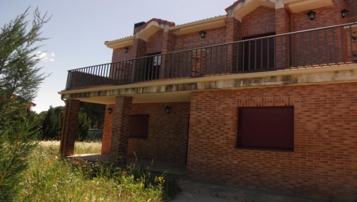Apartamento en Aldeamayor de San Martín (20902-0001) - foto0