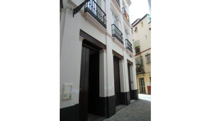 Piso en Sevilla (33124-0001) - foto0