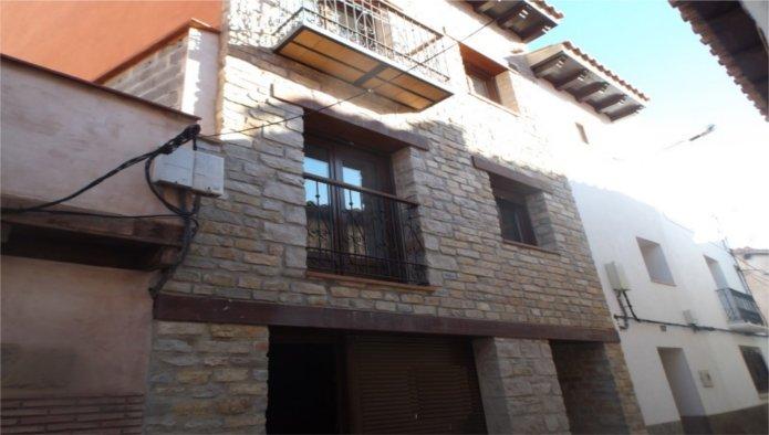 Venta de Edificio en Valbona, Teruel,