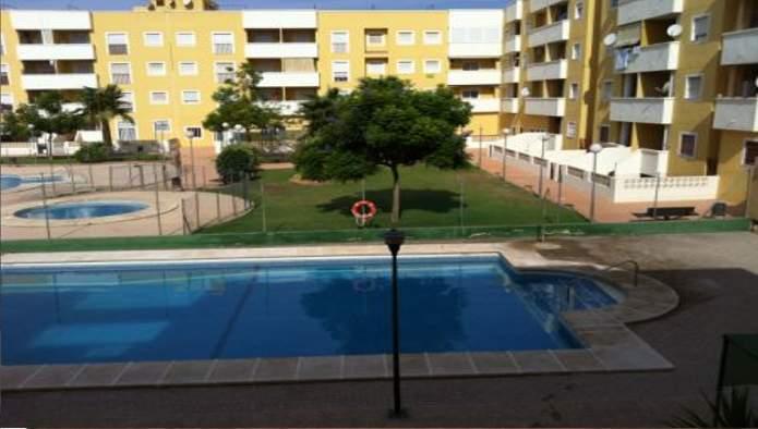 Apartamento en Roquetas de Mar (33399-0001) - foto2