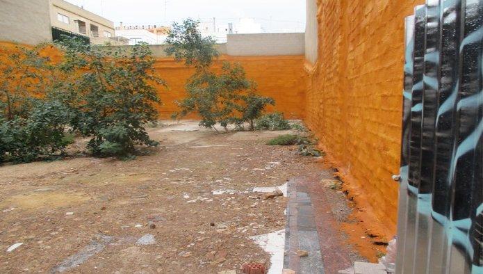 Solares en Valencia (M67529) - foto2