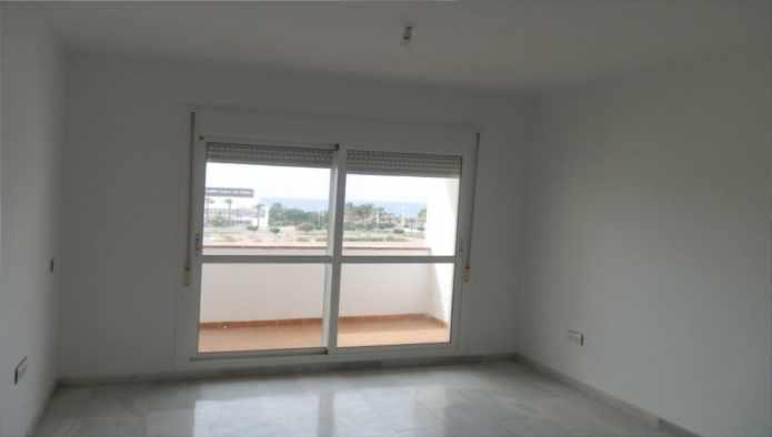 Apartamento en Almería (36681-0001) - foto1