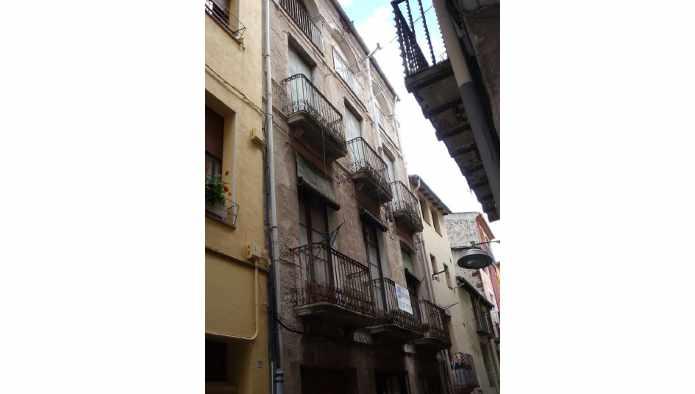 Casa en Olot (81902-0001) - foto0