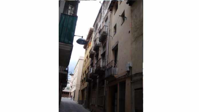 Casa en Olot (81902-0001) - foto1