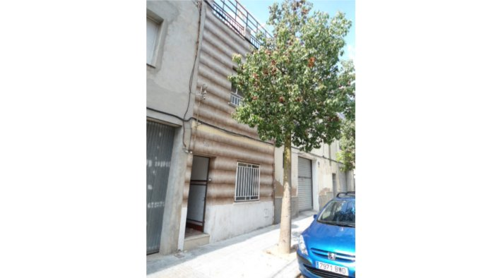 Casa en Terrassa (34053-0001) - foto0