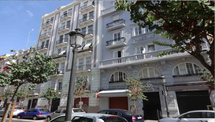 Locales en Valencia (33896-0001) - foto0