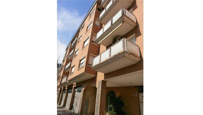 Locales en Barcelona (33089-0001) - foto1