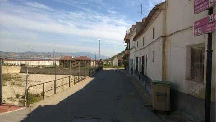 Edificio en Pliego (69205-0001) - foto0