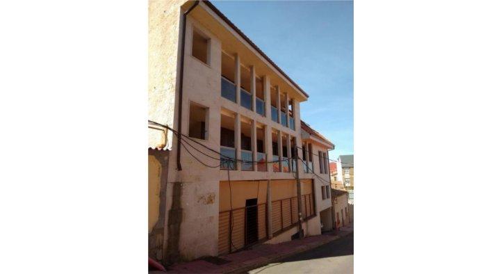 Edificio en Benavente (22605-0001) - foto0