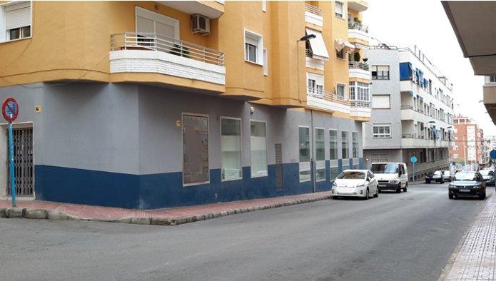 Locales en Torrevieja (M71112) - foto2