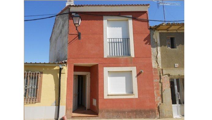 Casa en Villarramiel (22437-0001) - foto0