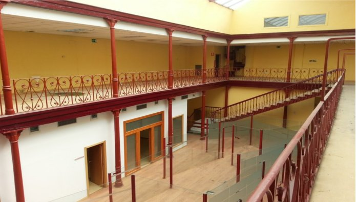 Edificio en Valladolid (31500-0001) - foto2