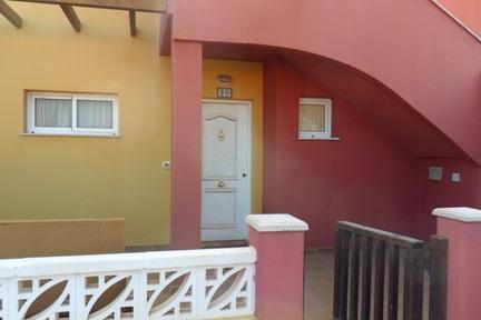 Edificio en Corralejo (M70330) - foto1