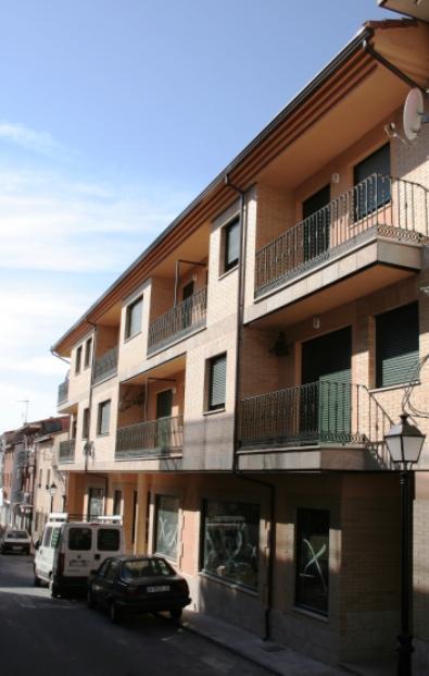 Locales en Candeleda (M73577) - foto1