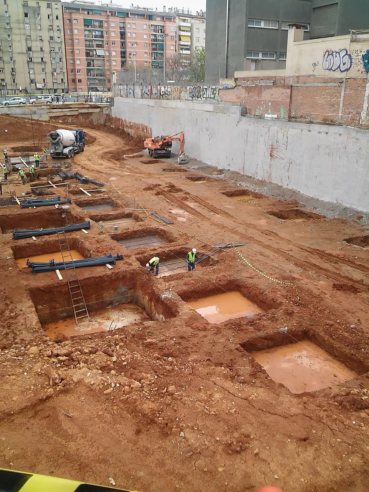 Locales en Barcelona (M69477) - foto2