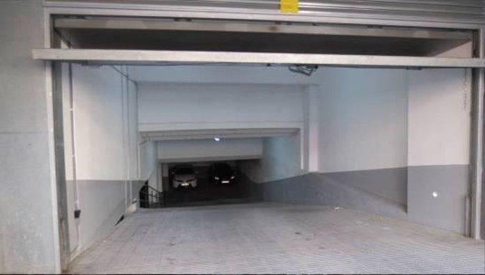 Garaje en Matar� (Calle Uni�) - foto1