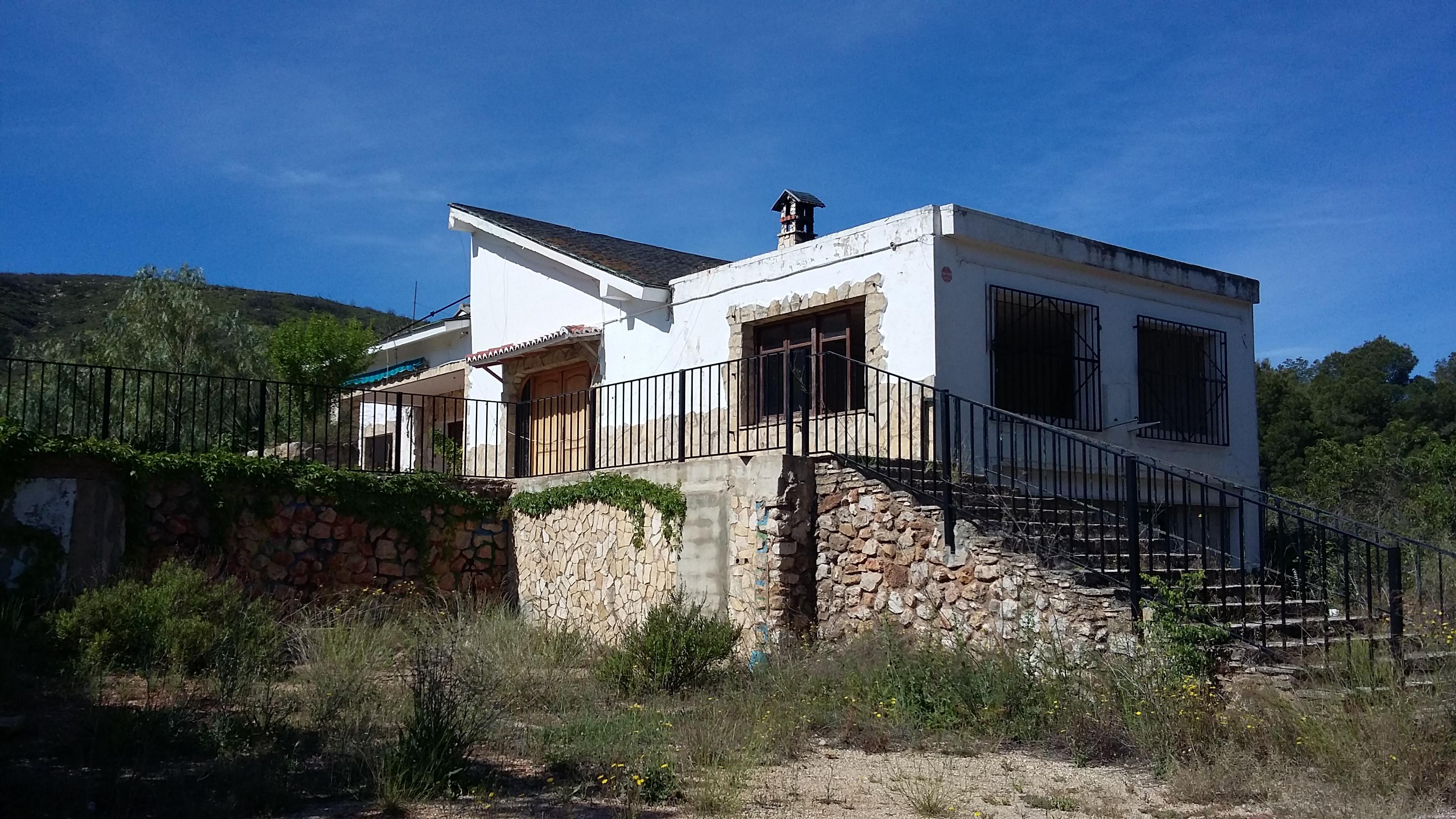 Apartamento en Macastre (01135-0001) - foto0