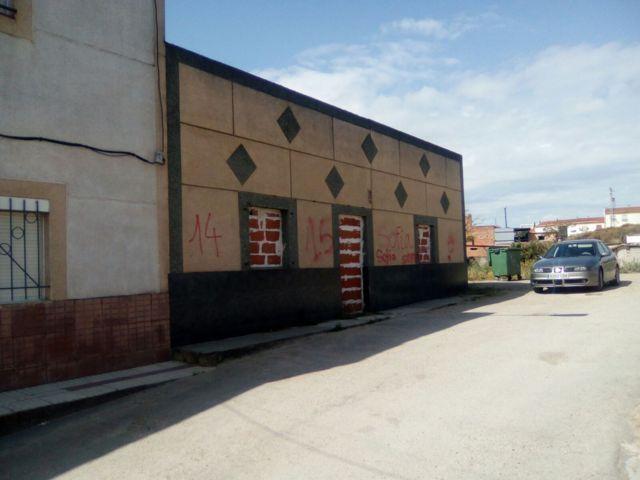 Casa en Badajoz (50347-0001) - foto0