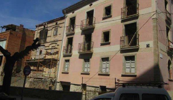 Edificio en Cervera (93047-0001) - foto0