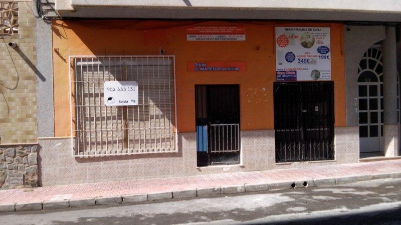 Locales en Torrevieja (93150-0001) - foto0