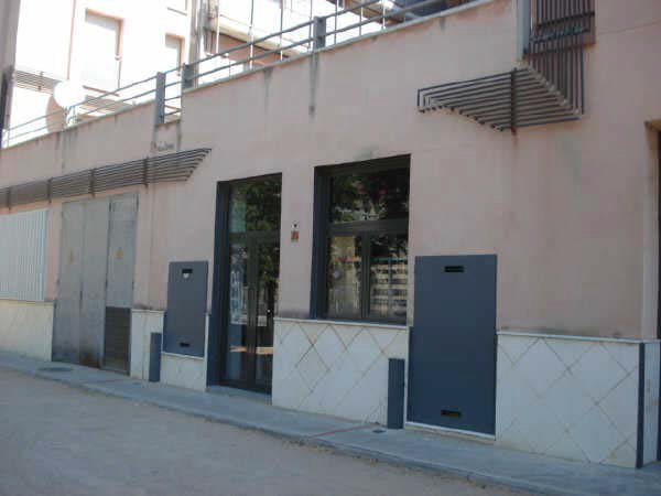 Locales en Ripoll (09702-0001) - foto1