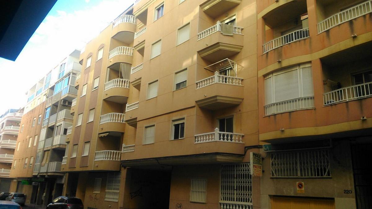 Apartamento en Torrevieja (64851-0001) - foto0