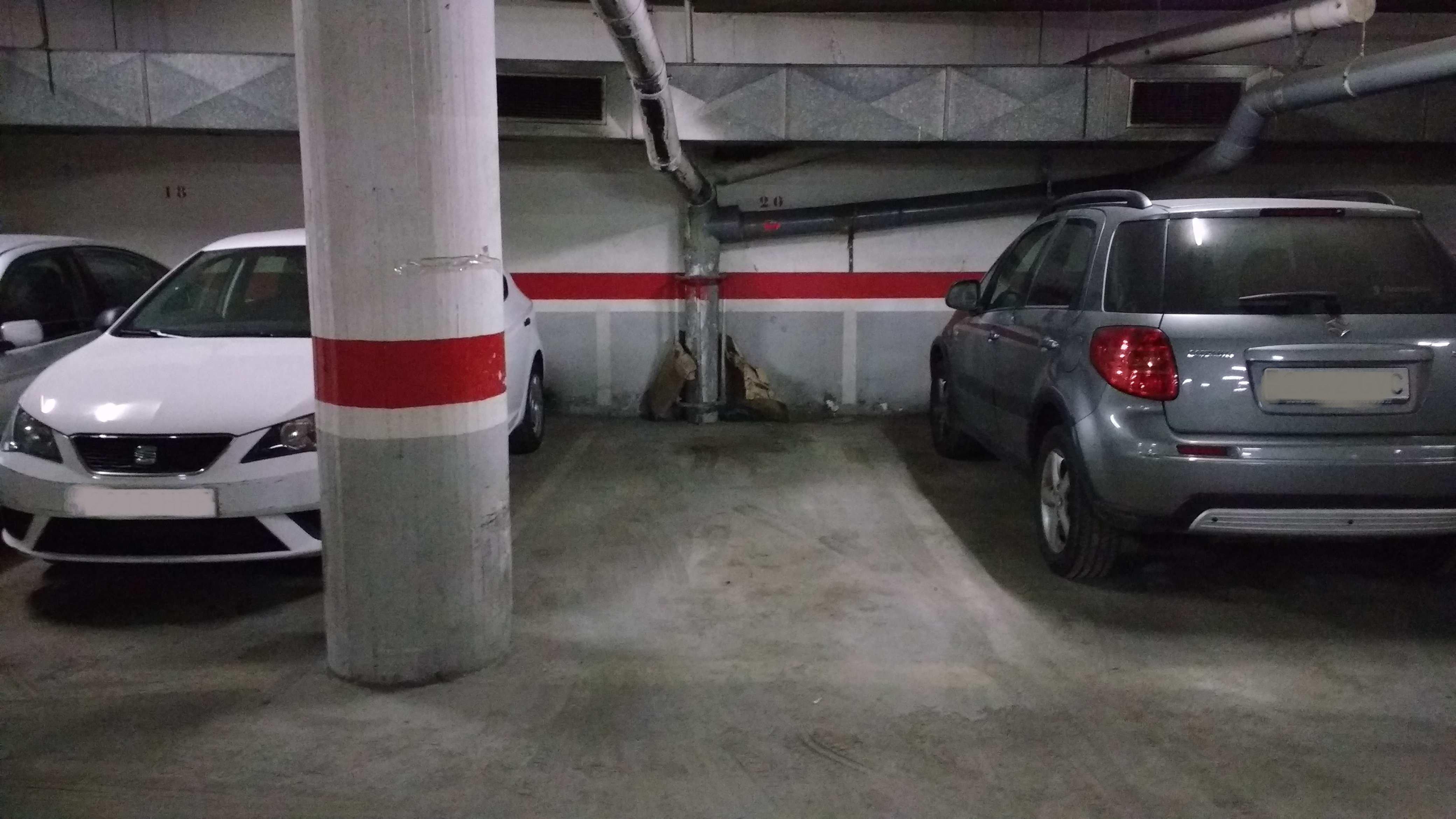 Garaje en Barcelona (Tetuán) - foto1