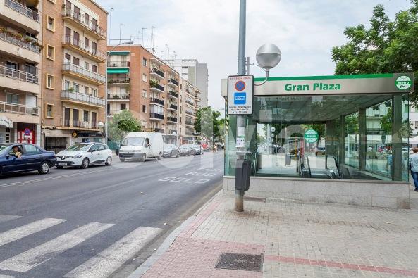 Piso en Sevilla (Eduardo Dato - Sevilla) - foto1