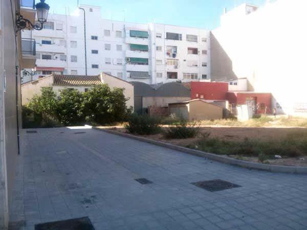 Solares en Valencia (92078-0001) - foto1