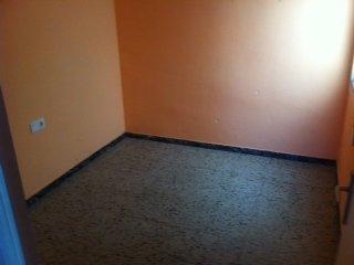 �tico en Cornell� de Llobregat (35081-0001) - foto1